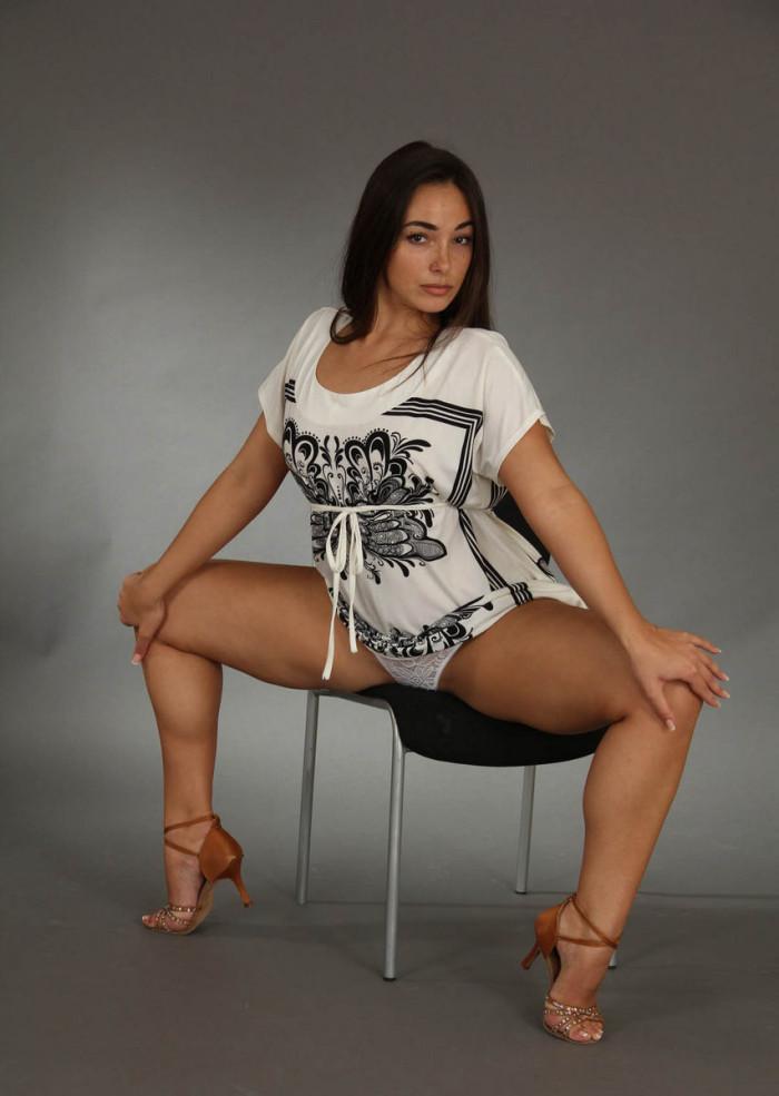 hot uk women spreads