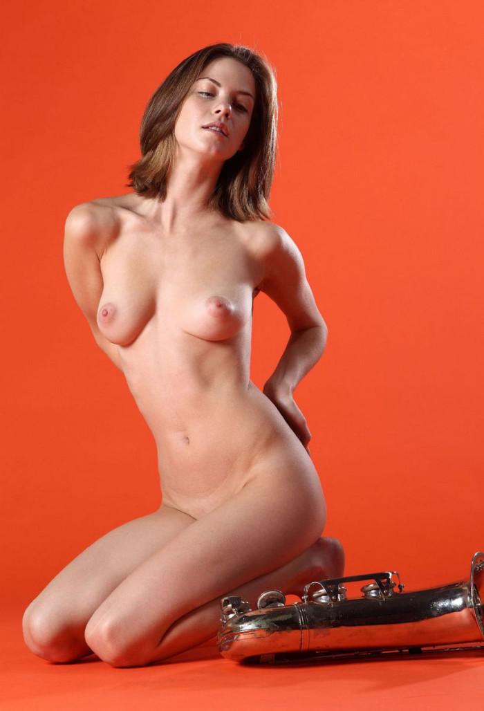 hottest nude women slive