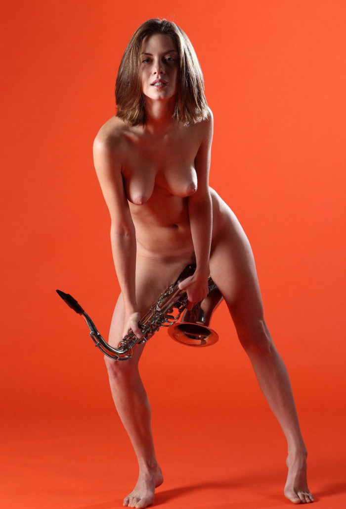 Naked Anita C And Saxophone In Orange Room  Russian Sexy -3218