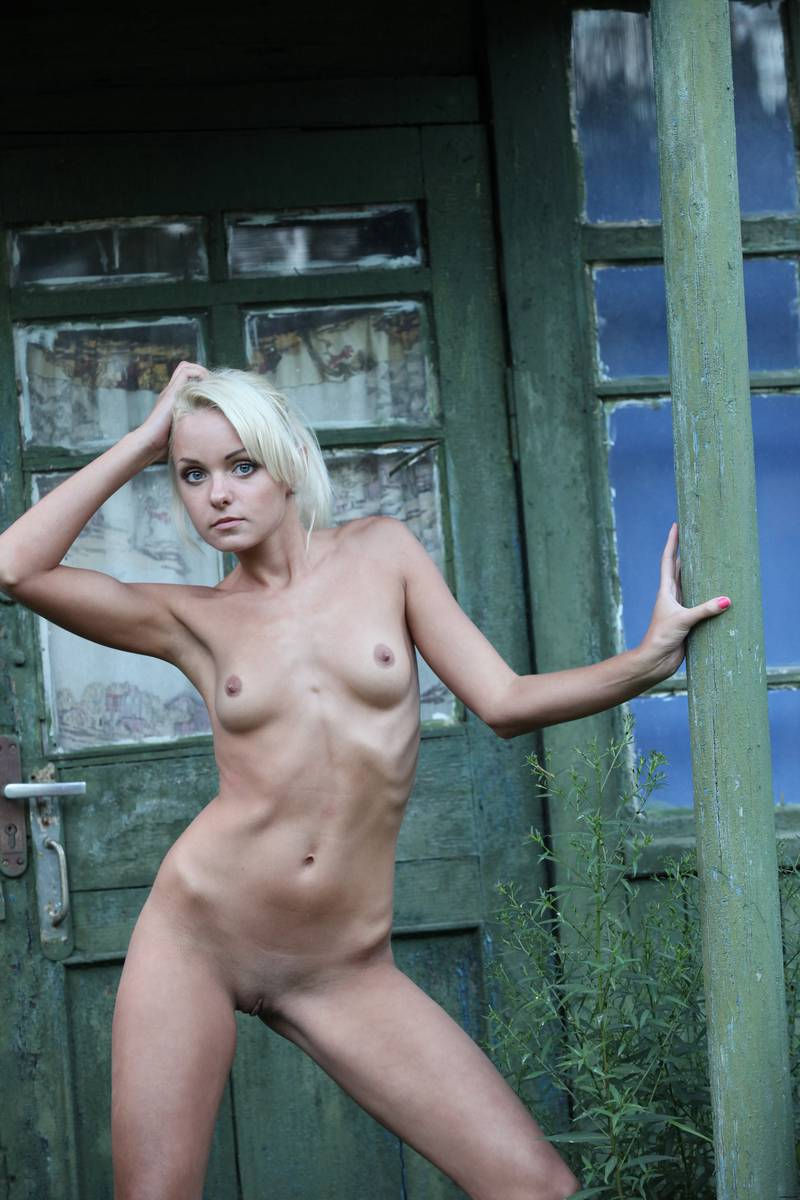 blonde skinny nude old babes
