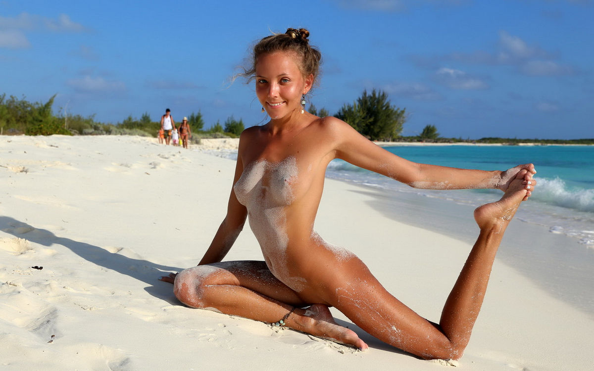 Hot Beach Babes Nude