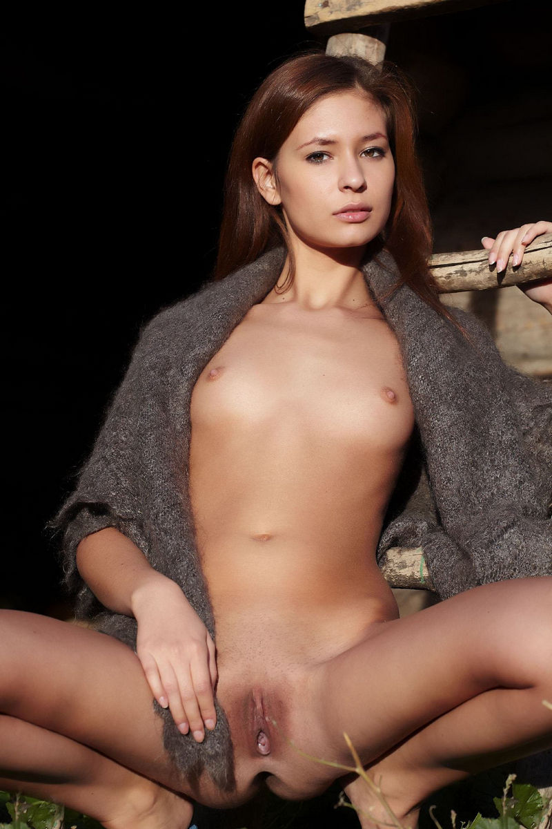 nude girls in public gallaries