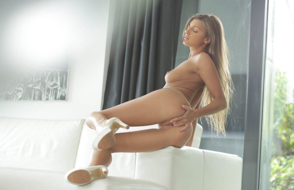 Teen Masha E In White Apartments  Russian Sexy Girls-9438