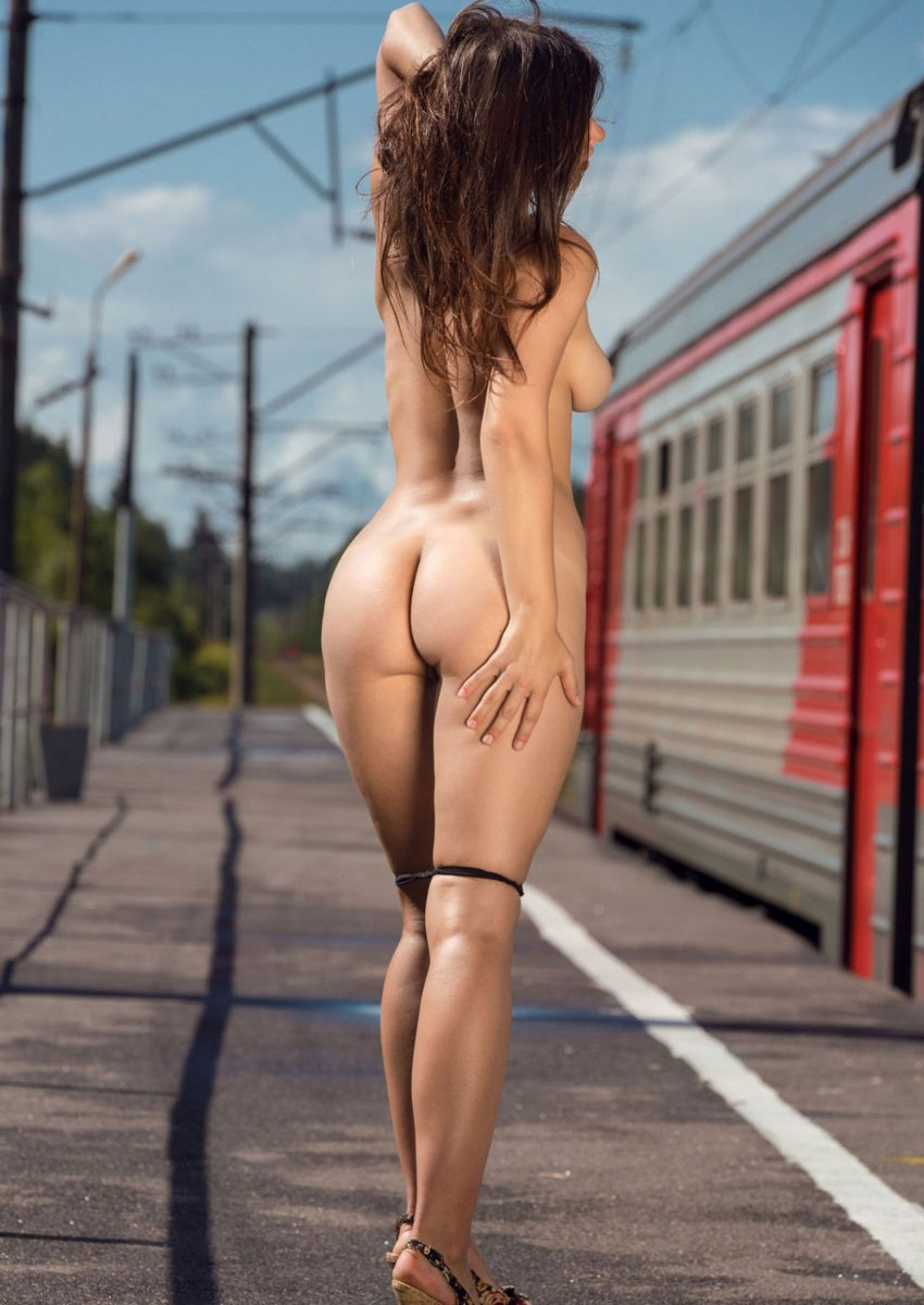 Hot Russian Teen Undressing At Train Station  Russian -9986