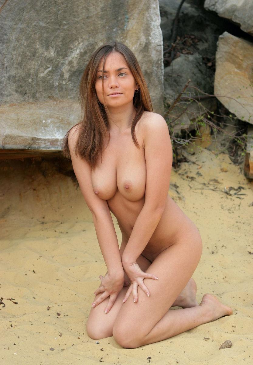 Julia ideal boobs