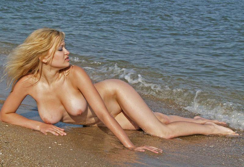 sexy naked girls on camaro
