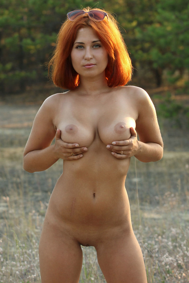 Hot Redhead With Really Gorgeous Body At Sunset  Russian -4271