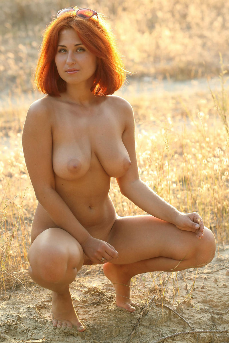 Hot Redhead With Really Gorgeous Body At Sunset  Russian -6030