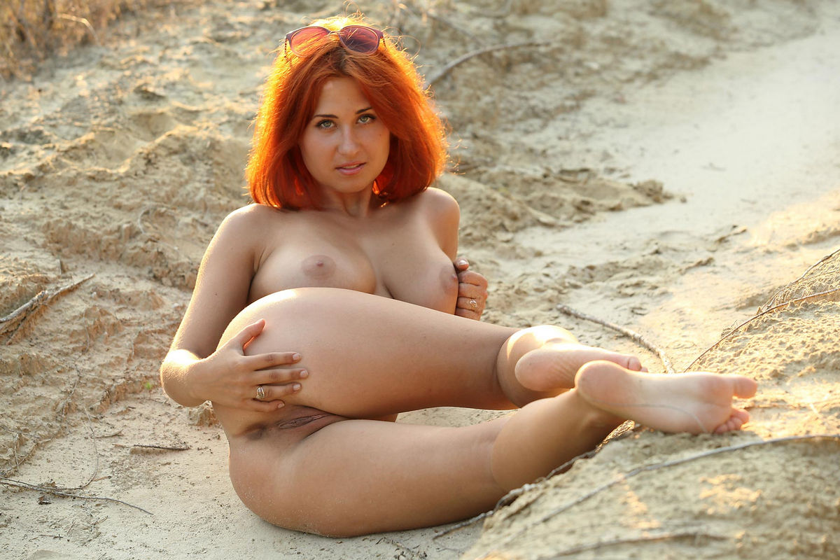 Magnificent hot sexy redhead pussy