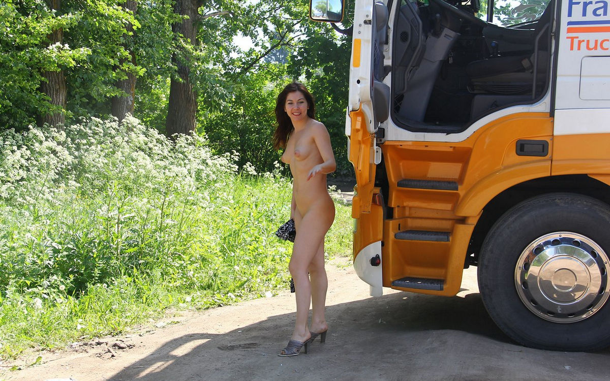 Flashing Truck Drivers Free Pics