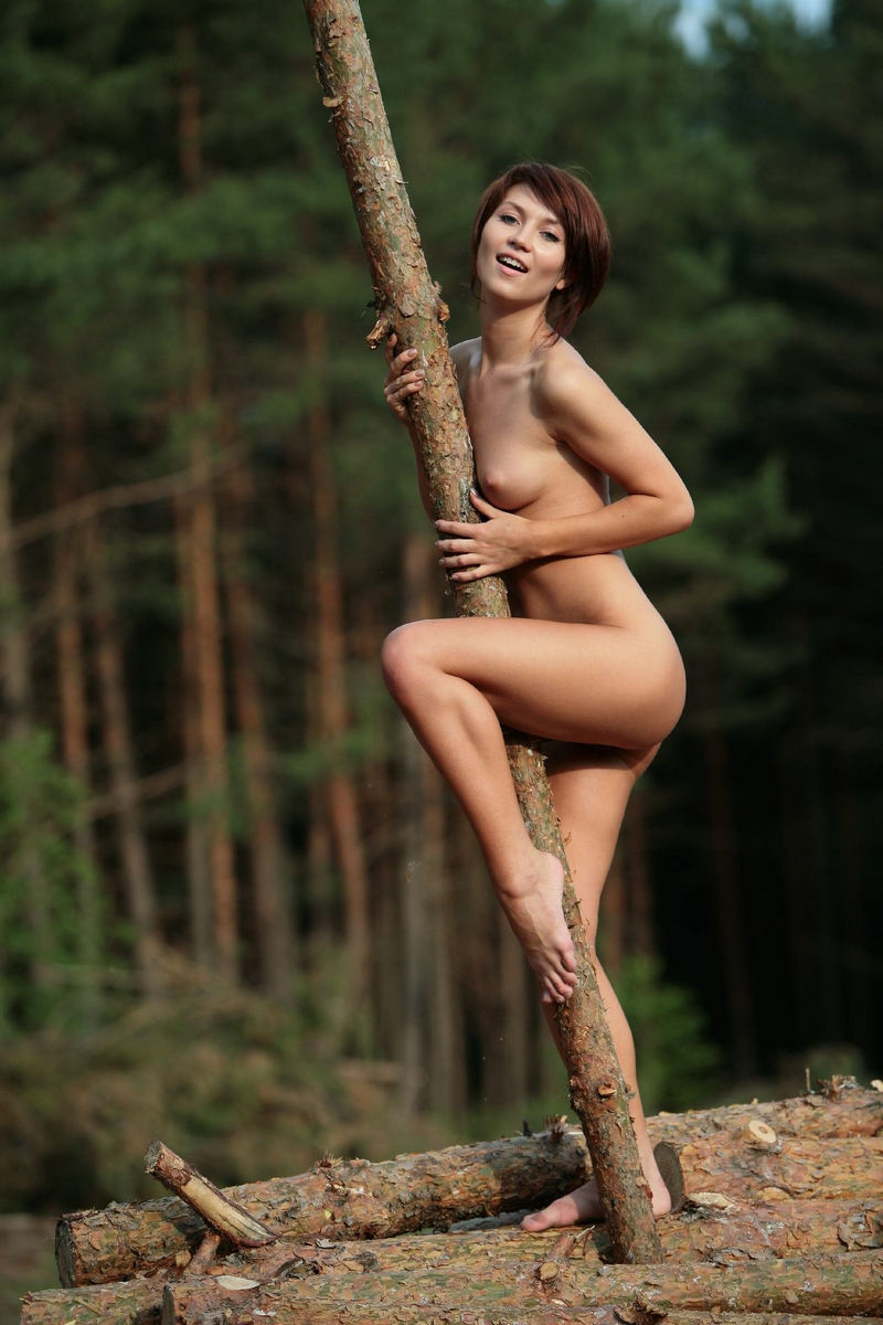 Sexy Brunette With Very Beautiful Body At Forest  Russian -1327