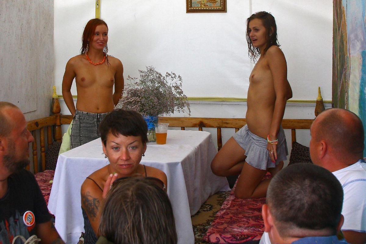 naked girls in summer