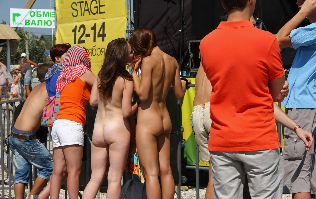 Naked sexy beach-4177