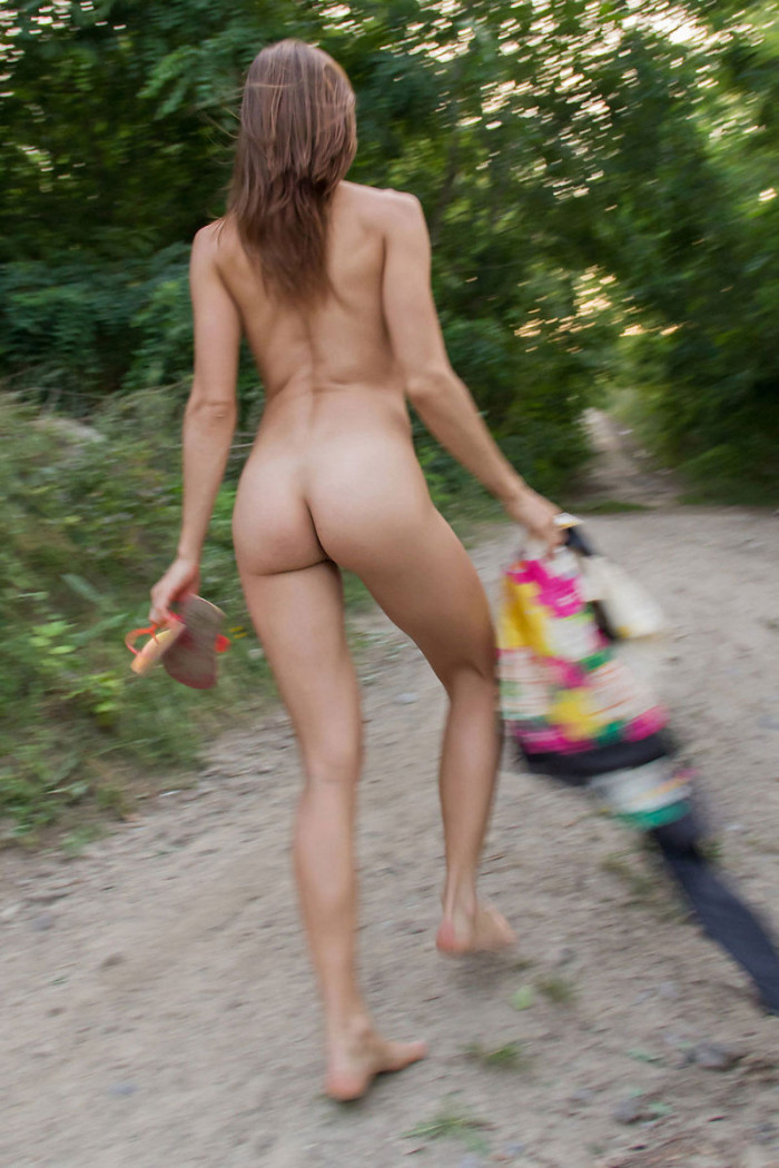 Hot Russian Teen With Sporty Body At Park  Russian Sexy Girls-4304