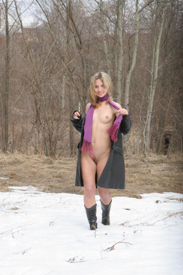 teen pussys the snow in Young