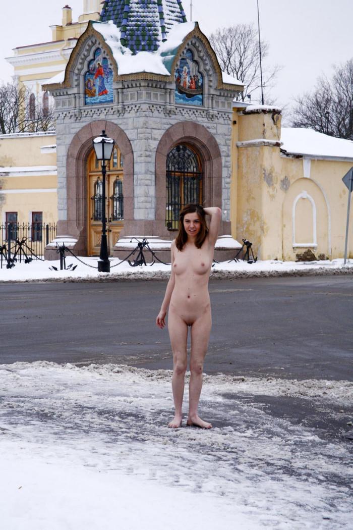 Busty Alisa H Naked Near Church At Winter  Russian Sexy Girls-3595