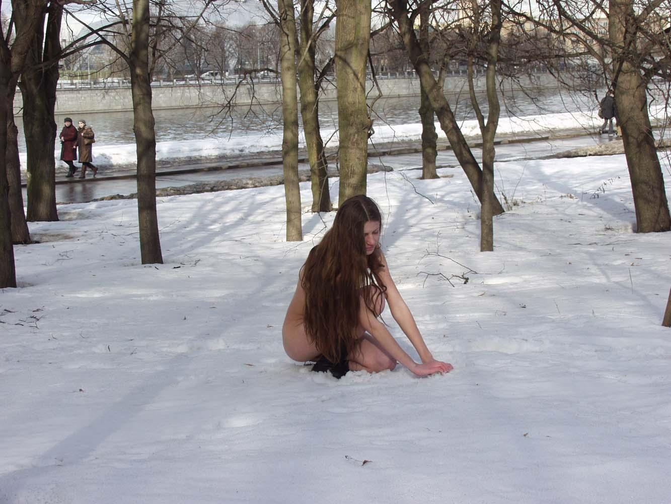 Flat-Chested Skinny Girl Posing At Winter Park  Russian -3944