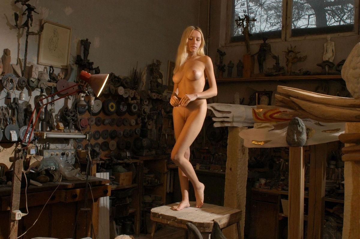 Секс видео обнаженная в фотоателье модель — photo 14