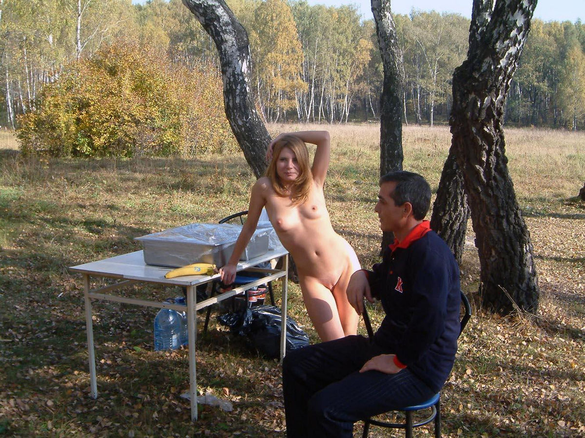 Naked blonde roast barbecue outdoors | Russian Sexy Girls
