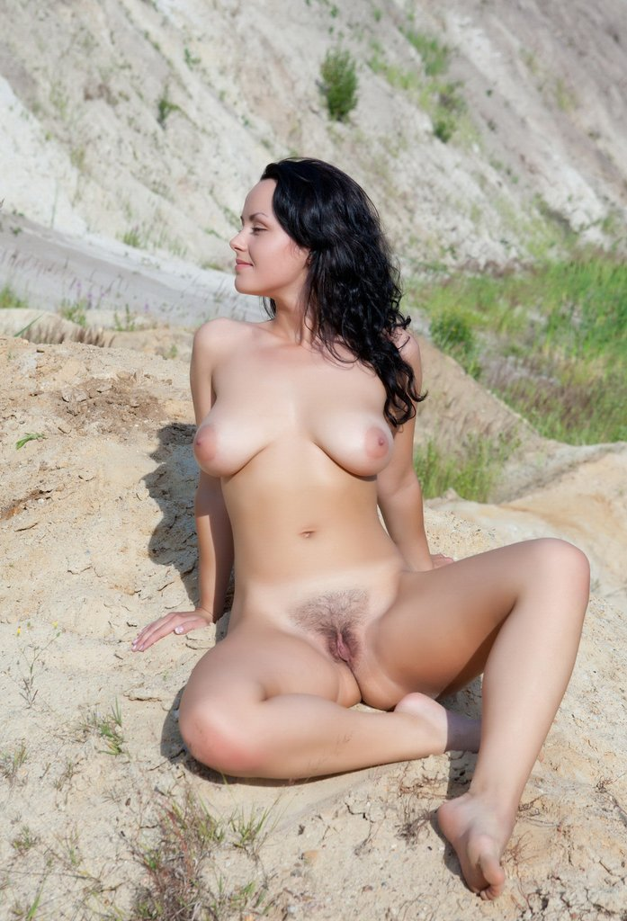 busty brunette mirelle a loves to posing outdoors