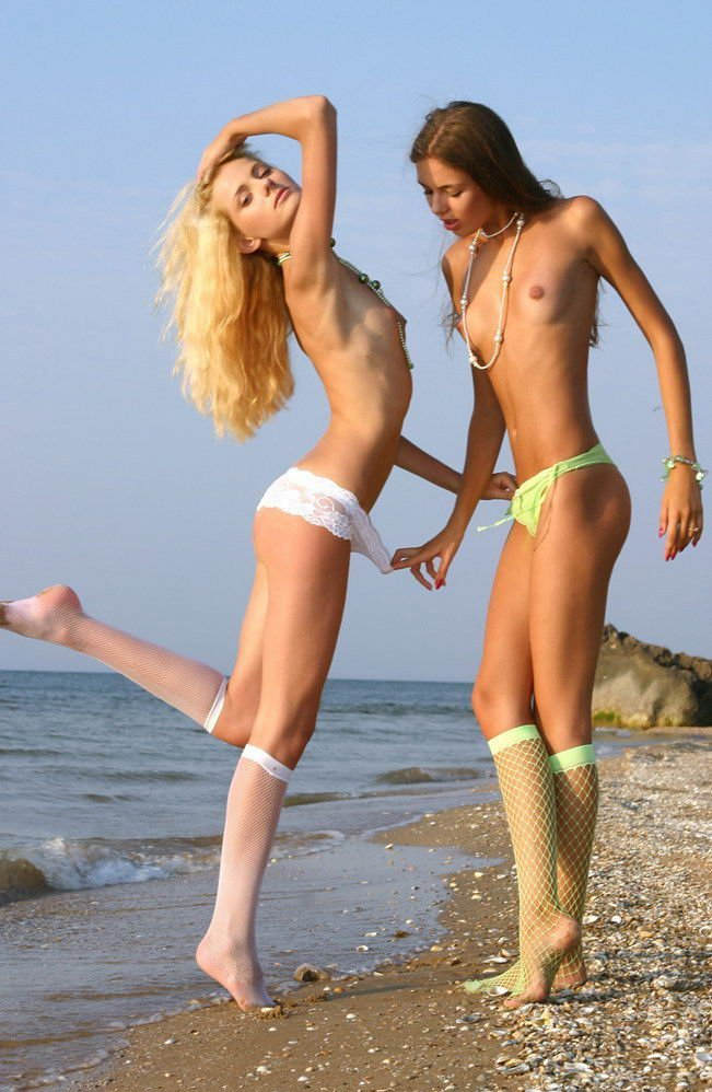 Two sexy lesbians get it on until completion 7