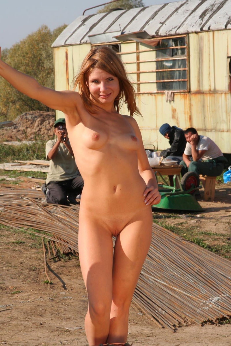 women girls naked on building site