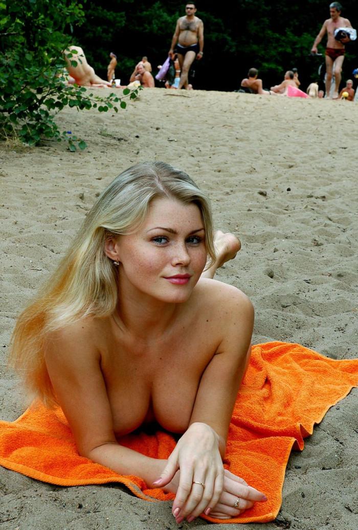 russian nude beach photos
