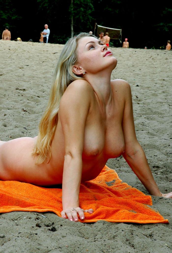 Beach woman otngagged blonde