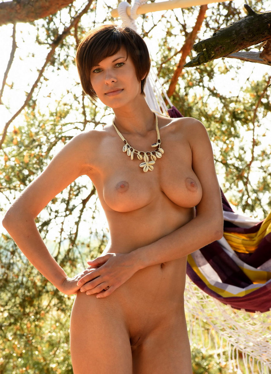 Tall big boobs nude — img 2