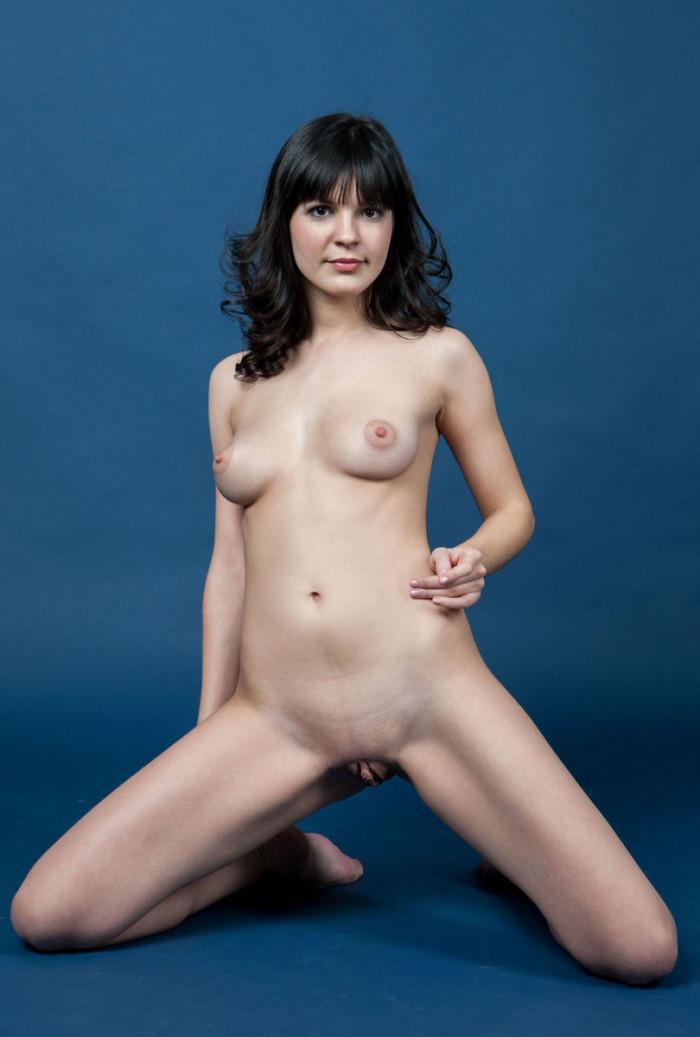 Teen Zelda B Removes Panties At Blue Studio  Russian Sexy Girls-5215