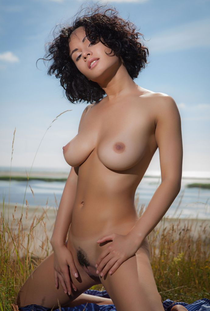 Very large naked women-9361