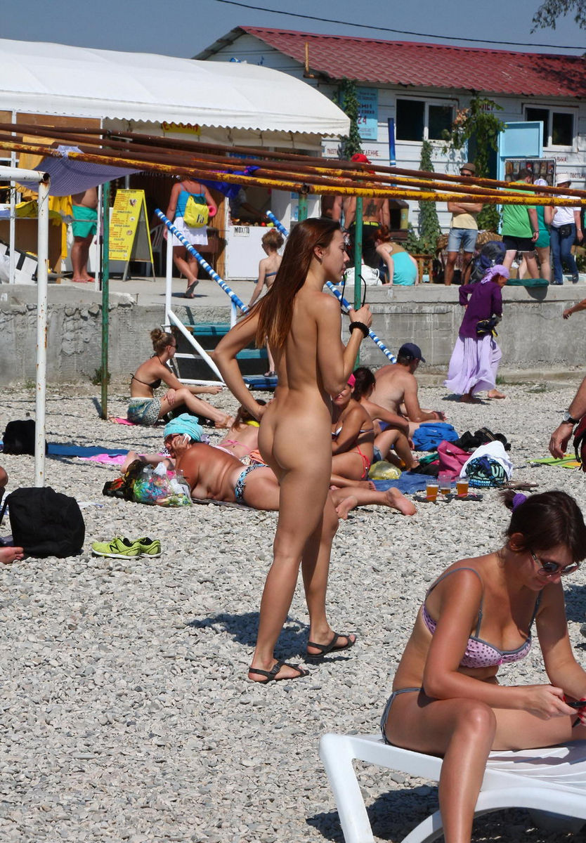 Sexy nude beach girls congratulate