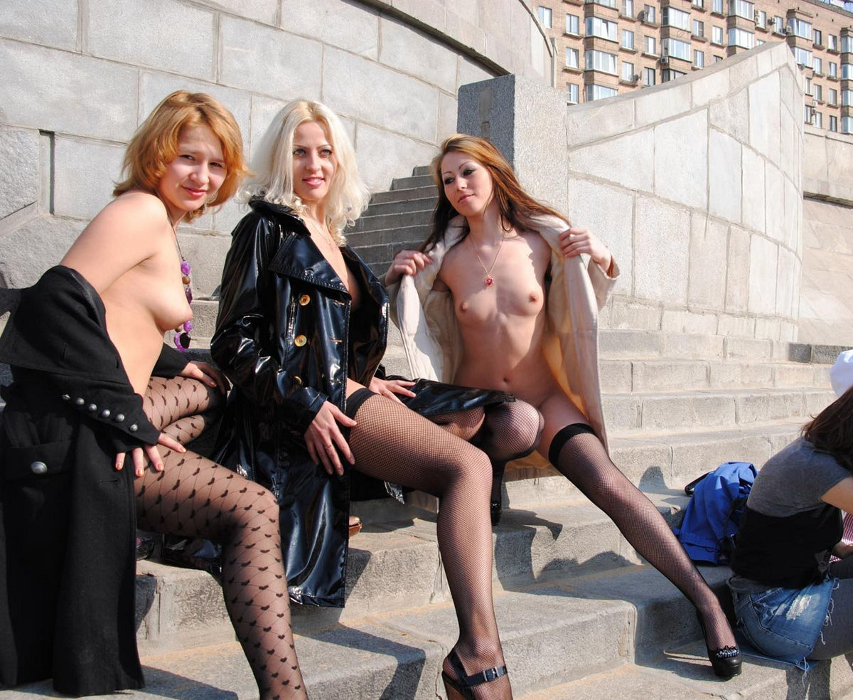 Three girls in stockings posing at city center | Russian ...