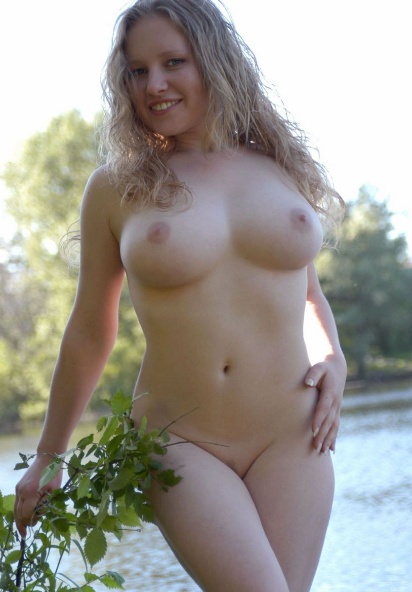 plump girl nude