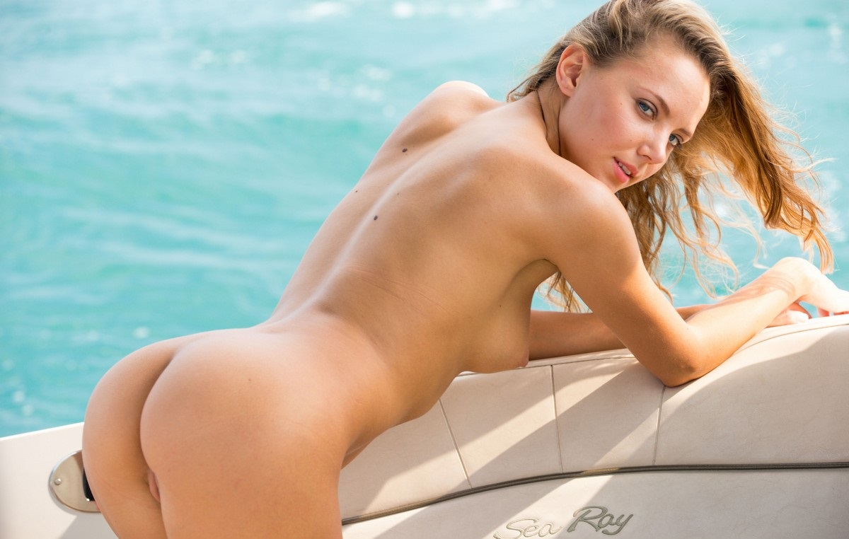Sexy Teen Mango A On The Yacht  Russian Sexy Girls-9073