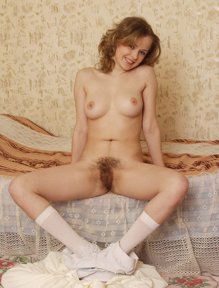 Sweet Girl With Hairy Pussy In Rertro-Style Session  Russian Sexy Girls-4238