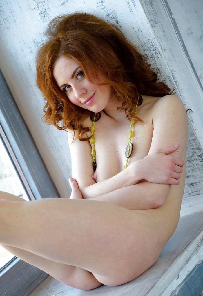 More hot sexy redhead pussy