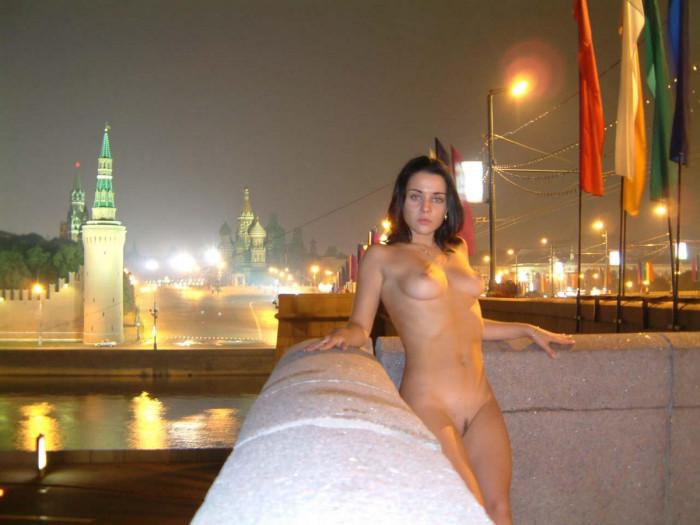 Обнаженная Москва