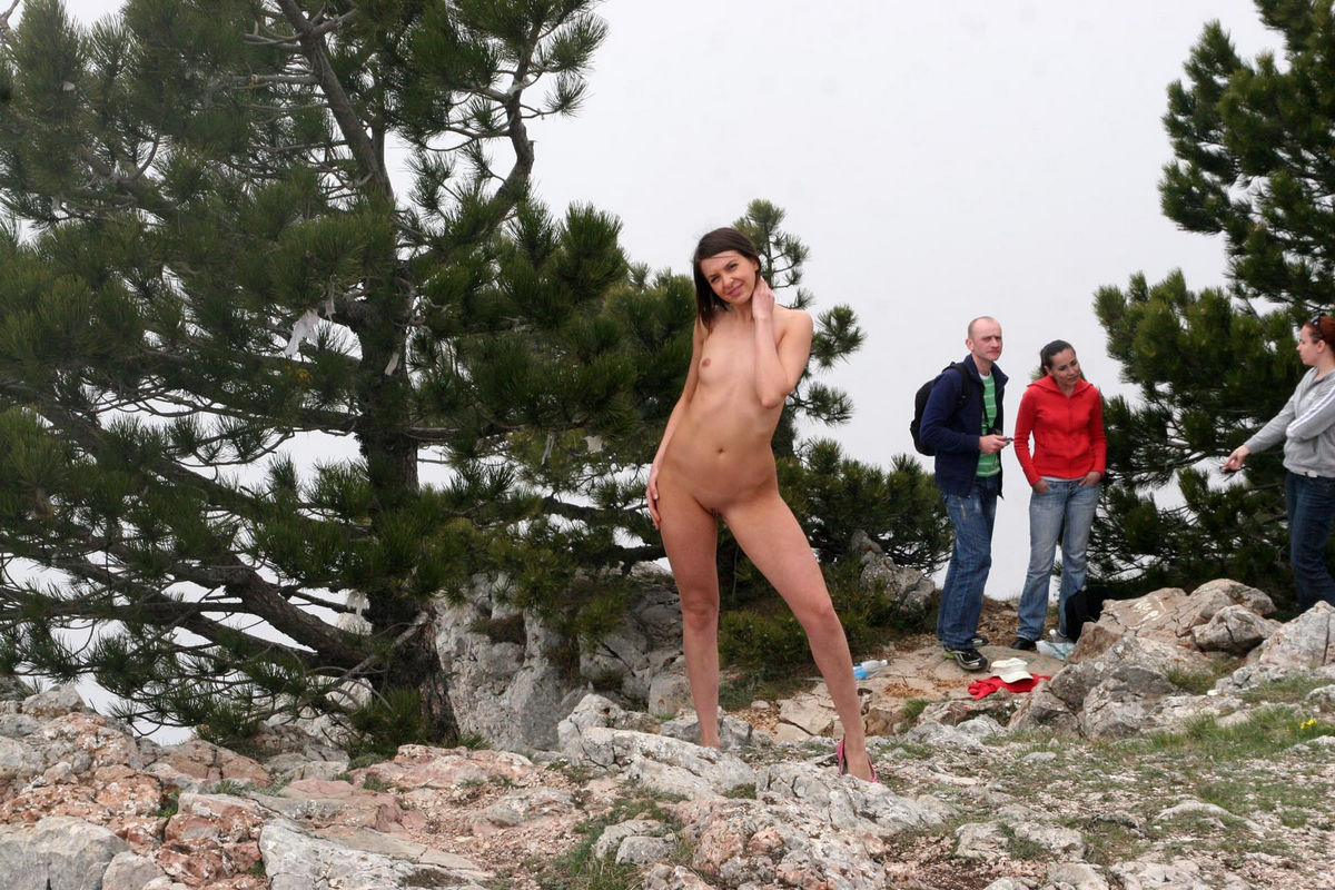 Naked Calla A talks with tourists at viewpoint | Russian ...