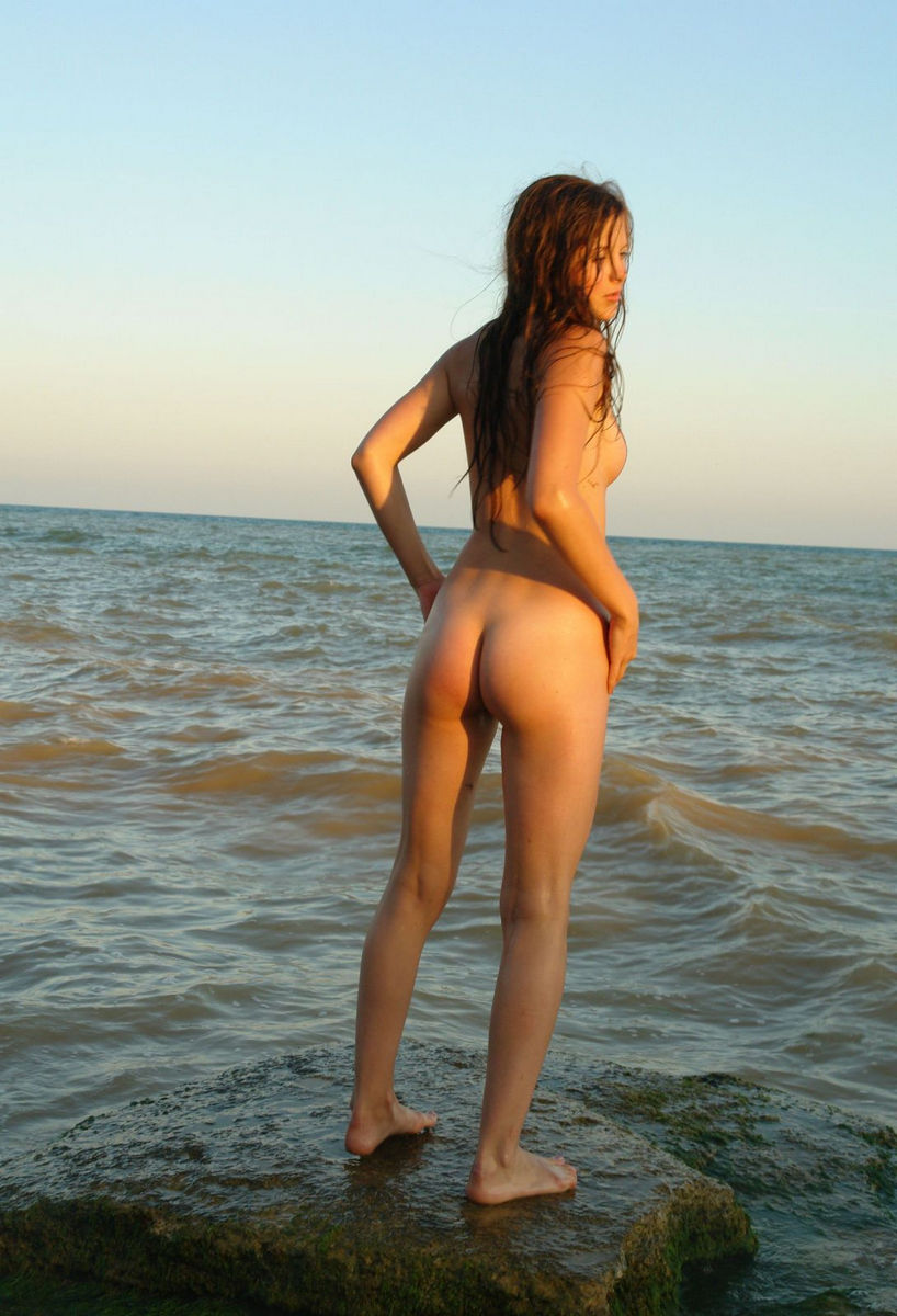 Teen Petra E With Slender Body On The Sea Rocks  Russian Sexy Girls-4563