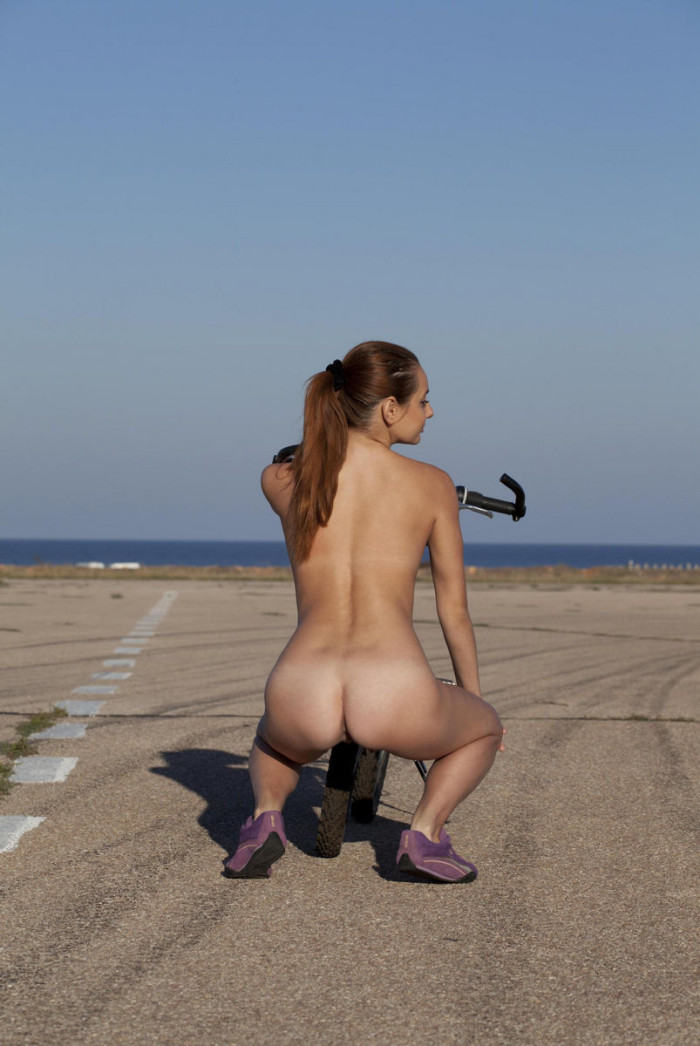 Naked Mishel C On The Coast With A Bicycle  Russian Sexy -8066