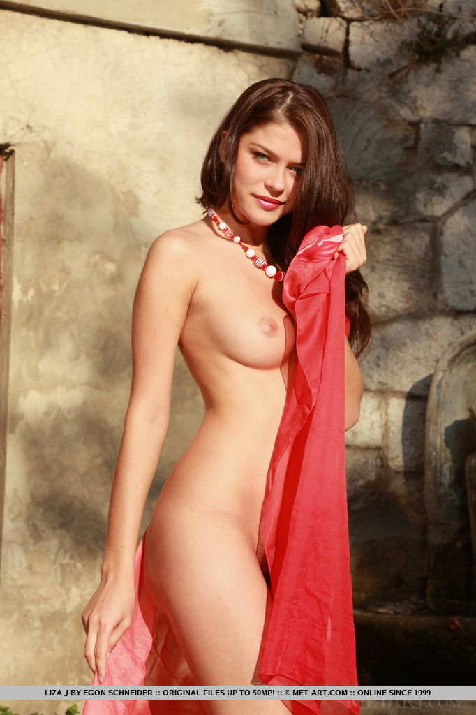 Liza J is a mesmerizing beauty with her curvy physique, sultry looks, and a divine full bush