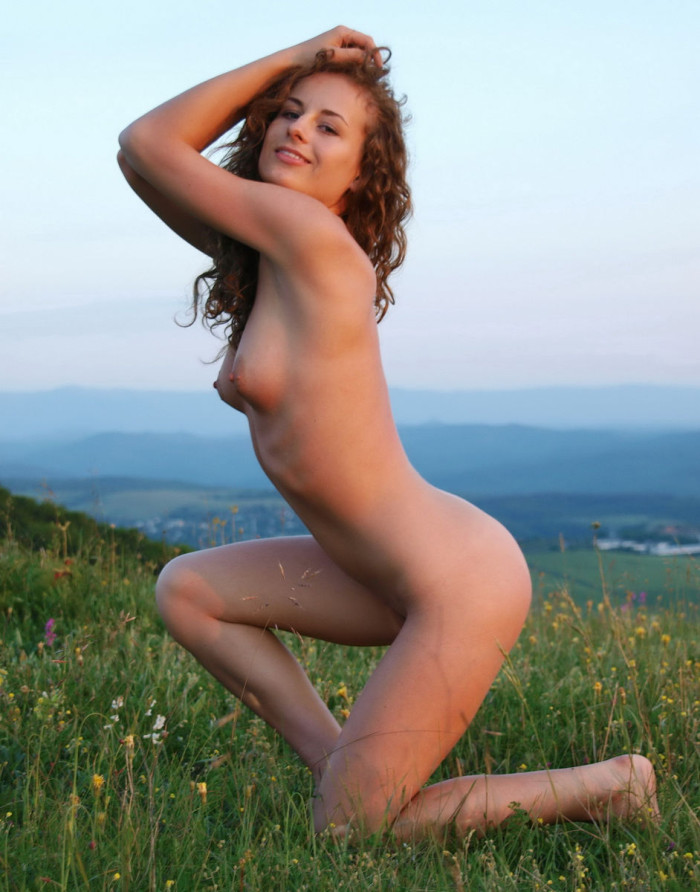 Amateur Curly Teen Posing In The Field  Russian Sexy Girls-9651