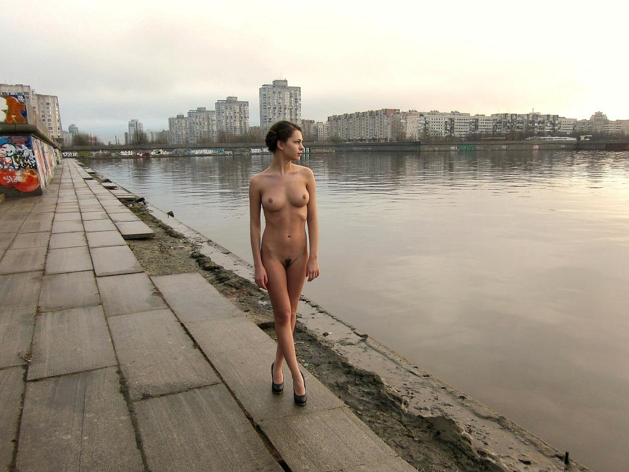 Обнаженные Девушки В Москве