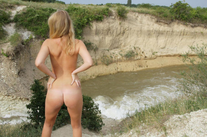 Amateur blonde Garcia takes off pink panties