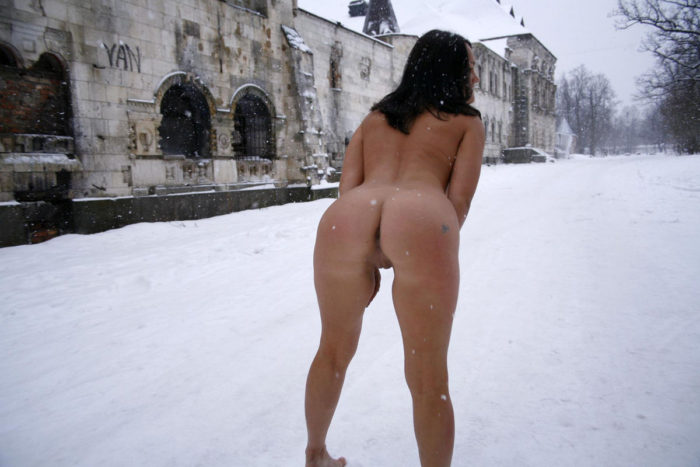 Brunette with nice ass and small pussy at winter streets