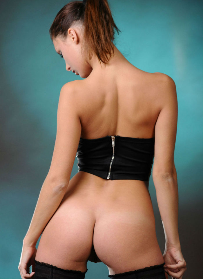 Very sweet Yarina A with shows herself including perfect ass