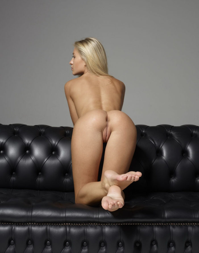 Blonde Felicity with a fantastic bod removes black thong