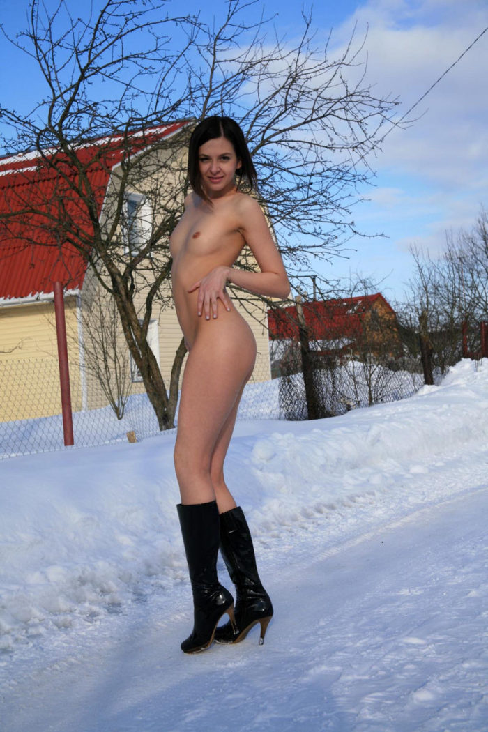 Russian girl Angela doesnt like to shaved pussy