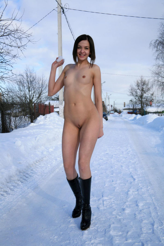 Naked Calla A posing at winter country road